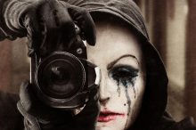 the_girl_in_the_photographs1